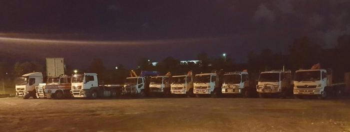 2016-09-16 21.29.30 trucks.jpg